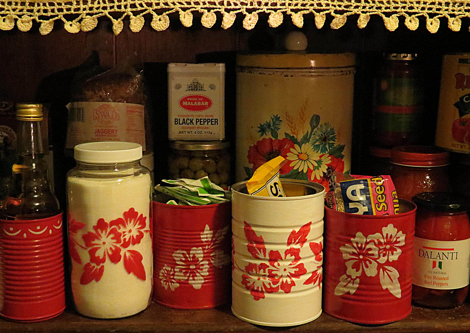 Red and white tinware made from recycled tin cans for Can you recycle cookie tins