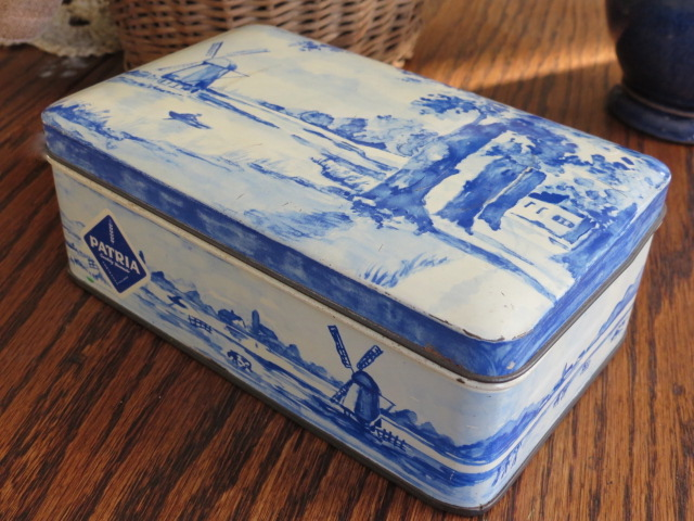 Antique blue-and-white tin