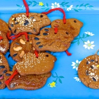 Gingerbread Cookies for the Birds